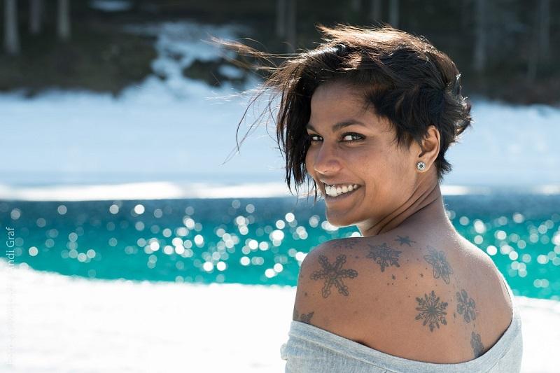 Tetoválás ápoló krémmel